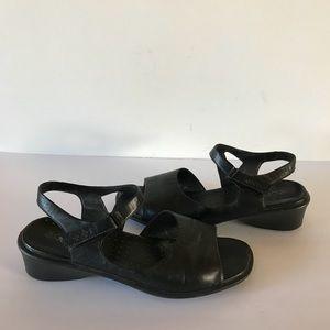 Ecco Black Leather Open Toe Sandals 42